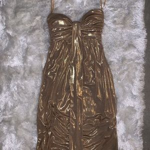 Gold Sweetheart neckline dress‼️